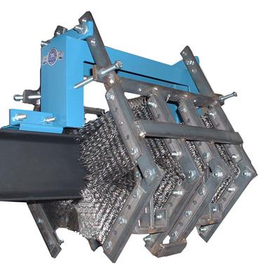 Cepillos de limpieza de carro y cadena transportadora sin motor modelo 400-I instalados en riel