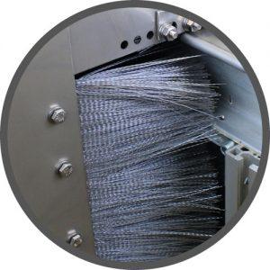 Lubricator shroud brush